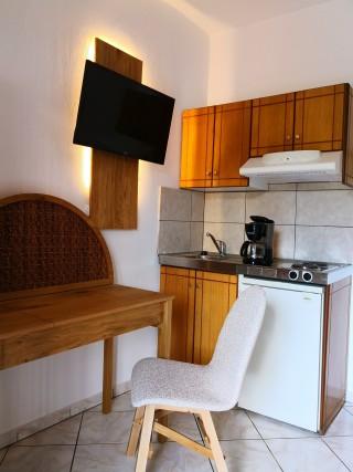 premium studio porto thassos kitchen